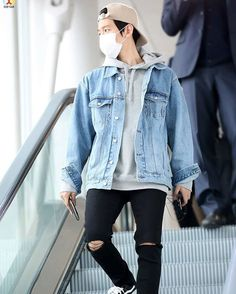 [HQ] 160408 BAEKHYUN AT ICN AIRPORT || CR. EXOYEAH || this outfit has a special place in my heart ❤️ #denim