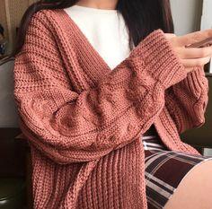 ᴀɴʟᴀʏ - ᴄᴀʙʟᴇ-ᴋɴɪᴛ ᴄᴀʀᴅɪɢᴀɴ   Kfashion Blog - Korean Fashion - Seasonal fashion, aesthetic fashion, plaid skirt, knit cardigan, autumn fashion, spring fashion
