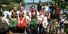Czym był mikroregion etnograficzny Urzecze i w jaki sposób Kalwarki przypomniały jego dawne tradycje.