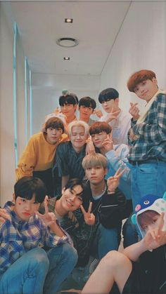 Couple Wallpaper Iphone, Dramas, Ulzzang Couple, Ulzzang Boy, Kpop Aesthetic, Kpop Boy, Boyfriend Material, Kpop Groups, Handsome Boys
