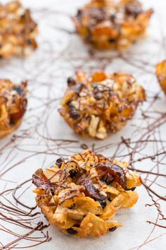 A Florentine biscuit or Florentines are made of nuts glacier cherries dried fruit and they have chocolate coated bottom. Homemade Biscuits From Scratch, Homemade Buttermilk Biscuits, Cereal Recipes, Cookie Recipes, Florentine Biscuits, Fun Desserts, Dessert Recipes, Xmas Recipes, Biscotti