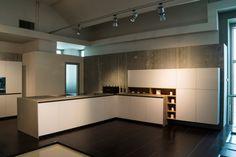 Comprex new model silica with class fronts. Verkrijgbaar bij art design keukens in Rotterdam. Kijk ook eens op onze website www.artdesignwonen.nl