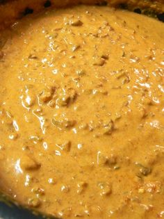 Chili cheese dip - 1 block of velveeta, 1 can hormel chili no beans, 1 lb of ground beef, cooked & crumbled, 1 8 ounces package of cream cheese. Slow Cooker Recipes, Crockpot Recipes, Cooking Recipes, Dip Crockpot, Appetizer Dips, Yummy Appetizers, Chili Cheese Dips, Dips With Velveeta Cheese, Cheese Dip Recipes