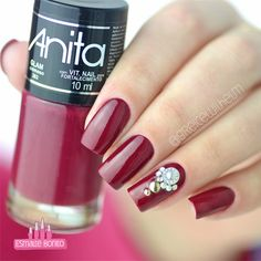Unhas Vermelhas com Joias Mani Pedi, Nail Manicure, Pedicure, Nail Polish, Dark Red Nails, Beautiful Nail Designs, Christmas Nail Art, Perfect Nails, Nail Arts
