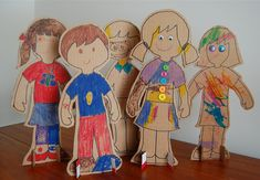 Want an unusual craft activity to do with your kids? One that is a twist on paper dolls? Make these cardboard mannequins. Cut the out of cardboard and use crayons or markers to add details. Craft Projects For Kids, Easy Crafts For Kids, Fun Crafts, Craft Ideas, School Projects, Eco Kids, Fun Activities To Do, Children Activities, Cardboard Crafts