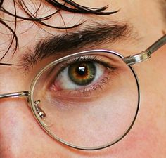 Image uploaded by p. Find images and videos about boy, eyes and harry potter on We Heart It - the app to get lost in what you love. Pretty Eyes, Beautiful Eyes, Gina Weasley, Harry James Potter, Luna Lovegood, The Marauders, Character Aesthetic, Draco Malfoy, Oeuvre D'art
