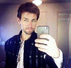 He luvs his gadgets. Here he moves with a diff dancing partner, his pet parrot haha - http://instagram.com/p/jQGKB4Mkcj/ Torrance Coombs (Bash) on the set of Reign!