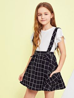 Shop Girls Grid Print Flare Skirt With Thick Strap online. SheIn offers Girls Grid Print Flare Skirt With Thick Strap & more to fit your fashionable needs. Teenage Girl Outfits, Girls Fashion Clothes, Dresses Kids Girl, Kids Outfits Girls, Cute Girl Outfits, Tween Fashion, Cute Outfits For Kids, Teen Fashion Outfits, Cute Casual Outfits