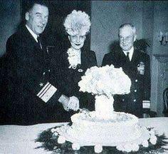 Cake honoring atomic bomb