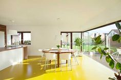 Next Previous – Vibrant yellow on the dining room floor to give joy Dare with a vibrant yellow for Interior Design Yellow, Interior Design Inspiration, Yellow Floor Paint, Kings Home, Yellow Bathrooms, Kitchen Units, Painted Floors, Style At Home, Mellow Yellow