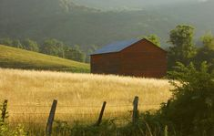 10 Amazing Blue Ridge Mountain Barn Photos