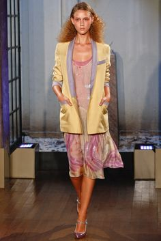 Philosophy di Lorenzo Serafini Spring 2012 Ready-to-Wear Fashion Show - Marike Le Roux