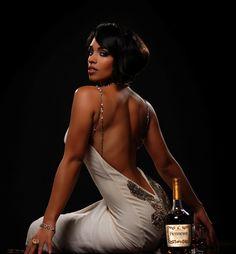 Melyssa Ford - Hennessy www.alkohall.cz