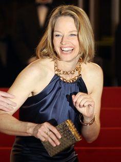 Jodie Foster || #LOL #smile #laughingoutloud #laugh #celebrity #celebrities #people #rire || Follow on http://www.pinterest.com/lcottereau/celebrity-lol/