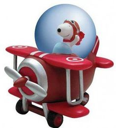 Snoopy & the red barron snow globe