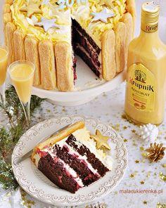 Tort z Wiśniami i Advokatem Cookie Desserts, Dessert Recipes, Cake Recept, My Favorite Food, Favorite Recipes, Polish Recipes, Drip Cakes, Pretty Cakes, Cakes And More