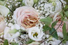 Jag gillar verkligen denna klassiker! #bröllop #bröllopsfotograf #blommor #bröllop2017 #bröllop2018 #linköpinglive #linköping #norrköping #meralink #meranorrk #söderköping #motala #Vadstena #vimmerby #västervik #finspång #nyköping #bröllopsinspo