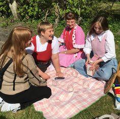 Picnic Blanket, Outdoor Blanket, Bff, Best Friends, Cute, Instagram, Summer, Beat Friends, Bestfriends