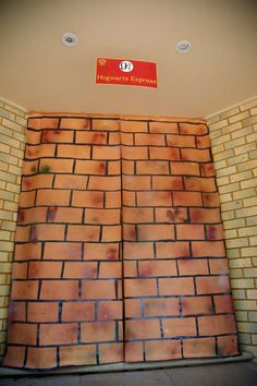 HOGWARTS / Harry Potter Birthday Party Ideas   Photo 1 of 44