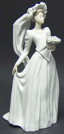 P0000014644S0666T2.jpg (215×450) Lladro FigurinesDown The Aisle - No BoxbyLladro(View other Pieces in this Pattern)  Out of Stock