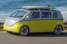 The Microbus-inspired Volkswagen ID Buzz will go into production in 2022 Retro-styled electric MPV, due to go on sale in will be cap. Vw Buzz, Volkswagen Westfalia, Vanz, Combi Vw, Pebble Beach Concours, Bugatti Chiron, Daihatsu, Comebacks, Super Cars