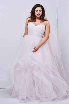 27 Plus Size Wedding Dresses to Flatter and Flaunt Your Curves - So romantic and whimsical. WTOO Plus Size - Wedding Dresses Plus Size, Plus Size Wedding, Trendy Dresses, Plus Size Dresses, Wedding Gowns, Trendy Wedding, Maxi Dresses, Lace Wedding, Woman Dresses
