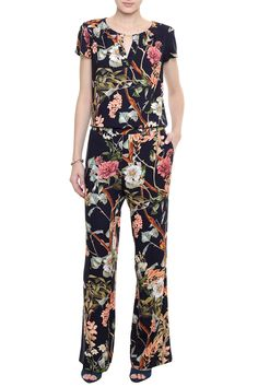 Calça Viscose Cloo 2 Piece Outfits, Stylish Outfits, Fashion Outfits, Womens Fashion, Corporate Attire, Just Girl Things, Jumpsuits For Women, Dress Patterns, New Dress