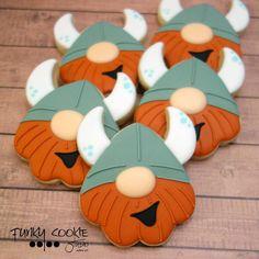 Man Cookies, Cute Cookies, Brownie Cookies, Dragon Cookies, Viking Food, Viking Party, Cartoon Cookie, Dragon Party, Cookie Designs