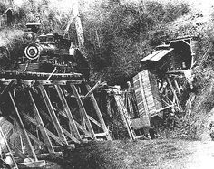 Train Wreck on the Yaquina
