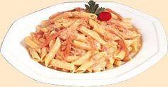 Pasta alla crema rosa di salmone con Philadelphia. gustosa e profumata
