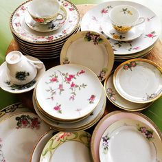 New pretties added to our rental collection! #lovevintagechina #vintageeventrentals #brillstreetvintage