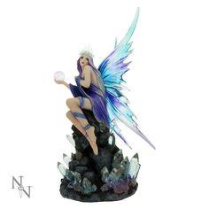 Fatina con drago, in resina, dipinta a mano, collezione Stargazer, di Anne Stokes euro 61,41