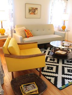colors and rug. awesome.  Mix if light colors & black