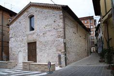 La ex Chiesa di Sant'Angelo (XII secolo) è la più antica chiesa del centro cittadino di Bastia Umbra. Ricostruita agli inizi del XV secolo, è caratterizzata da una navata unica con copertura a capanna impostata a tre arcate a sesto acuto. Nel 1788 fu sconsacrata, all'inizio del XX secolo fu adibita a sala cinematografica e nel 1955 venne venduta a privati che la trasformarono in magazzino. Nel 2013 è stata ristrutturata dal Comune per essere adibita a Centro Culturale.