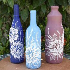 Fazer garrafas decoradas é super fácil. Separamos aqui algumas dicas que vão te ajudar a fazer peças lindas para decorar sua casa ou vender. Confira!