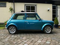 Mini Cooper Classic blue oh I want one of these.