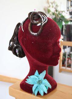 dieser 2 teilige Haarteil kann genau in Deiner Haarfarbe geliefert werden!! Competition Hair, Snow White, Disney Princess, Disney Characters, Hair Colors, Snow White Pictures, Sleeping Beauty, Disney Princesses, Disney Princes