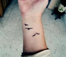 Inspiring picture bird, hand, tatto. Resolution: 500x333 px. Find the picture to your taste!