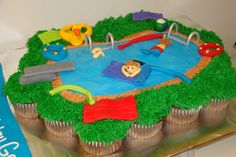 Pool party cupcake cake. I like this design and idea.