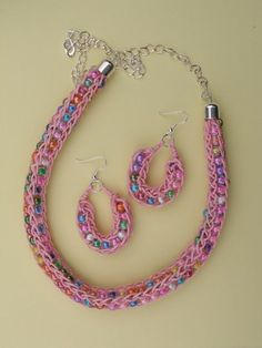 French+Knitter+Hot+Wire+Necklace.JPG (336×448)