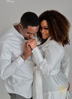 Wedding Picture Poses, Wedding Pictures, Beauty Camera Apps, Black Couples, Black Love, Love People, Wedding Shoot, Engagement Shoots, Love Story