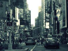 new-york-people-cars-buildings-advertising-gray.jpg 3,000×2,250 pixels