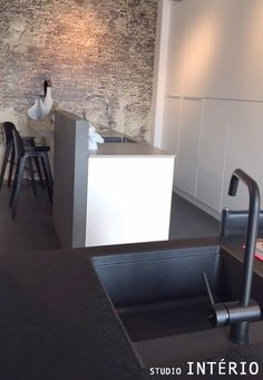 #SI #StudioInterio #riel #brabant #noordbrabant #inspiring #inspiratie #design #architecture #living #interieur #interior #kitchen #keuken #sink #black #white #cooking
