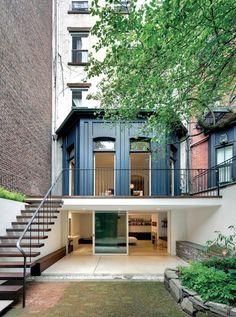 House Envy: A Modern Brownstone - lark & linenlark & linen Garage bedroom Victorian Townhouse, Modern Townhouse, Townhouse Garden, Design Exterior, Interior And Exterior, Future House, My House, Town House, Renovation Facade