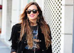 Street Style. Copia el estilo de Demi Lovato Demi Lovato, Mtv, Celebs, Long Hair Styles, Beauty, Style, Celebrities, Cosmetology, Long Hairstyles