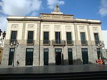 Teatro Guimerá: Inaugurado el 25 de julio de 1851. Gran edificio decimonónico situado en la céntrica calle de Ángel Guimerá, es, hoy en día, el teatro más antiguo de Canarias