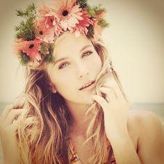 Boho beachy hair style.  G.couture Valencia En sanz 7