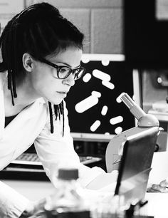 orphan black, cosima niehaus <3 #cloneclub chatting w/ the other Orphans since Cos lives in a diff state!!!