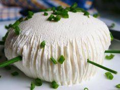 Vynikající domácí LUČINA. Připravíte ji z bílého jogurtu, zakysané smetany a soli. Autor: Naďa I. (Rebeka)