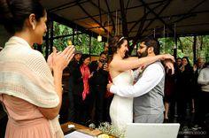 A Carol e o Lafa simplificaram o processo do casamento, fazendo o casamento civil no mesmo dia da festa. Depois do sim no cartório, os noivos seguiram para o local da recepção onde passaram por…